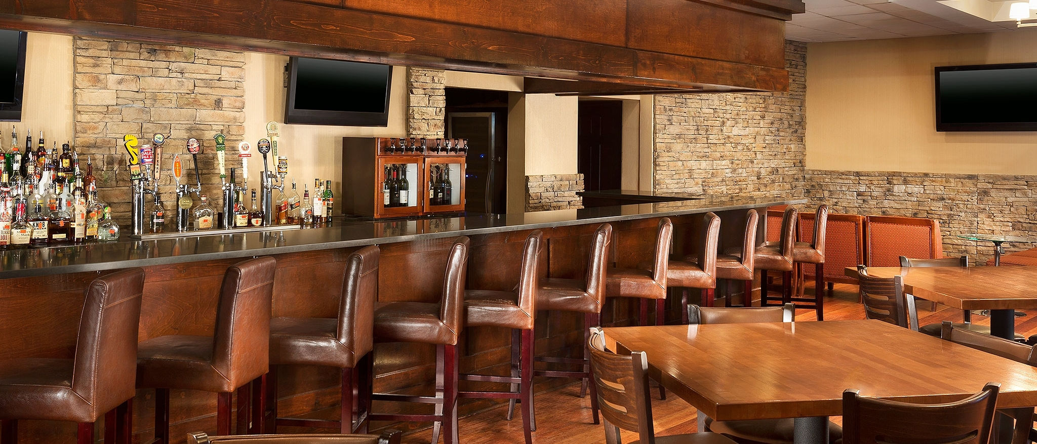 Four Points by Sheraton Asheville Downtown - Bar